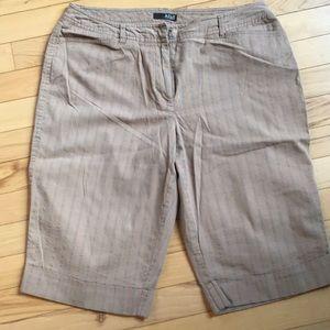 Woman's Bermuda Shorts.  Size 8